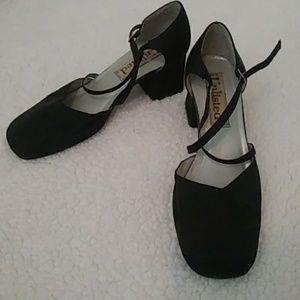 Classy back shoes